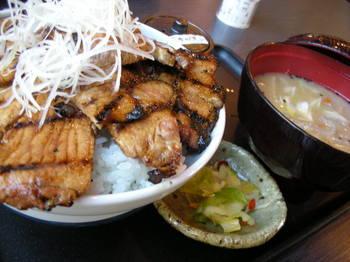 なまらうまいっしょ(厚木)-豚丼セット1.JPG